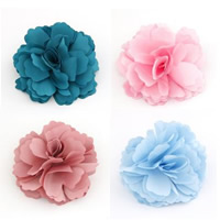 Bloemen in haarspeld of broche