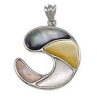 Natural Mosaic Shell Pendants, Brass, with Black Shell & Pink Shell & Yellow Shell & White Shell, Moon, platinum color plated, nickel, lead & cadmium free, 33x40x4mm, 5PCs/Lot, Sold By Lot