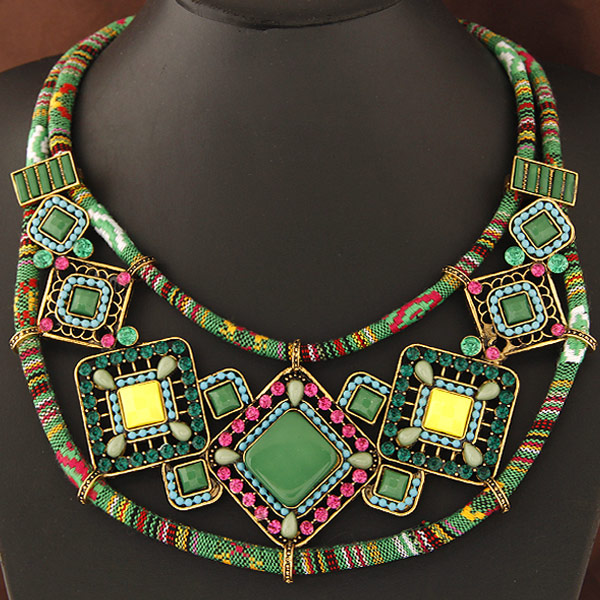 Schémas De Colliers En Perles Gratuits : Collier en perle de rocaille avec schema gratuit cool