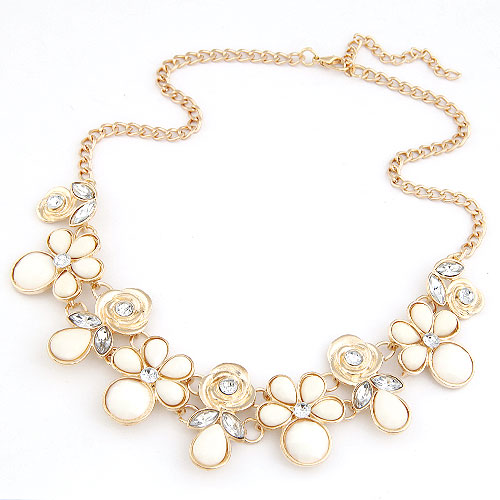 Resin Necklace, Zinc Alloy, with Resin, Flower, gold color plated, twist oval chain, white, lead & cadmium free, 400x200x40mm, Sold Per Approx 15.75 Inch Strand