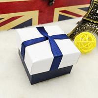 Tektura Pojedyncze pudełko na pierścionek, ze Gąbka, Kwadrat, 50x50x38mm, 50komputery/torba, sprzedane przez torba