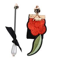 Асимметричные серьги, ткань, с ABS пластик жемчужина & цинковый сплав, Форма цветка, вышивка, с письмо узором & со стразами, разноцветный, 30x7mm, 30x9mm, продается Пара