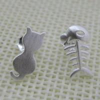 Асимметричные серьги, Серебро 925 пробы, Кот и рыба, Матовый металлический эффект, 12x52mm, продается Пара