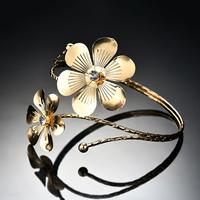 Железо браслет-манжеты, Форма цветка, плакирован золотом, Женский & со стразами, не содержит свинец и кадмий, 90x85mm, внутренний диаметр:Приблизительно 90mm, длина:Приблизительно 11 дюймовый, продается PC