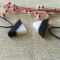 Подвески из смолы, канифоль, с деревянный, Мужская, белый и черный, 30mm, отверстие:Приблизительно 2-4mm, продается PC